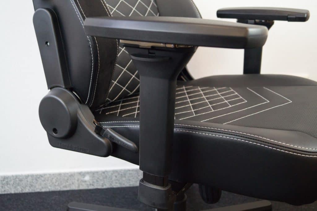 4d-armrests-of-hero