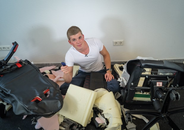 broken-office-chairs