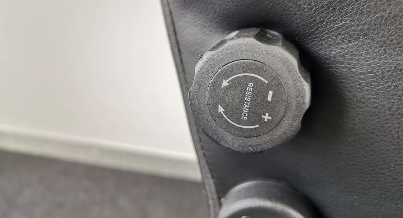 lordosis-support-variable-adjusting-wheel