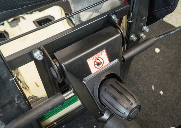 stable-screwed-seat